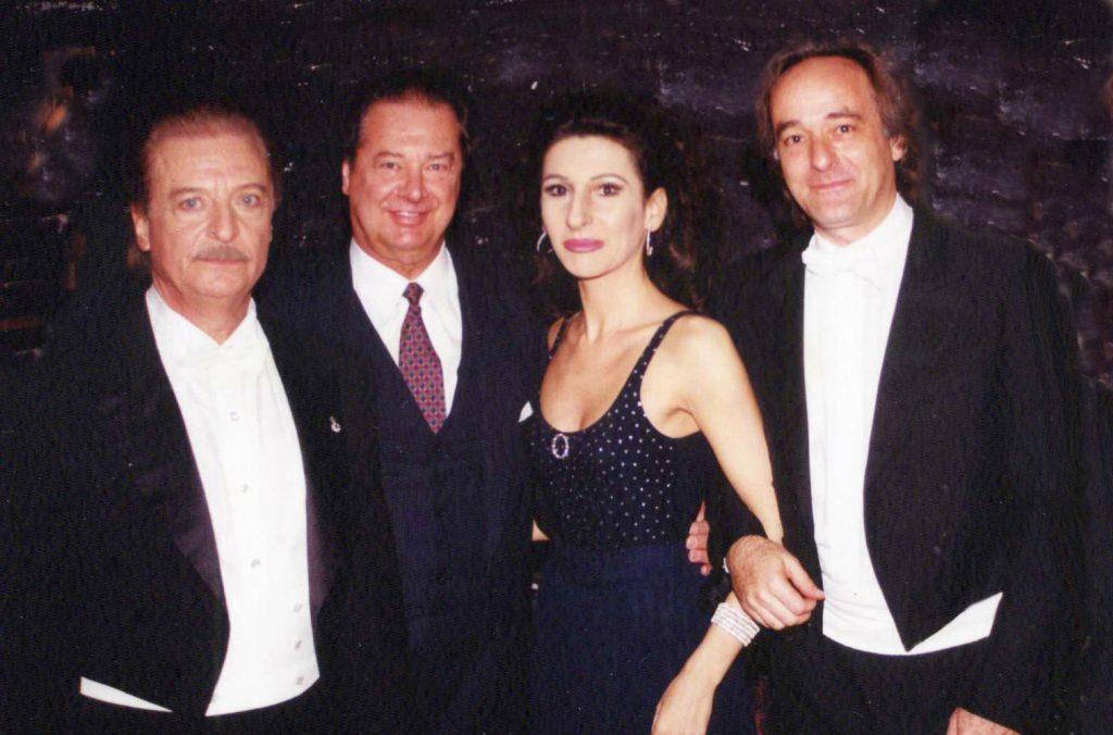 LUCIA ALIBERTI con ALFREDO KRAUS e i direttori RAFAEL FRUHBECK De BURGOS e MARCELLO VIOTTI dopo il Concerto