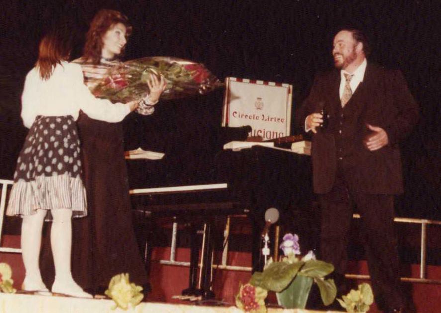 LUCIA ALIBERTI con LUCIANO PAVAROTTI durante il Concerto dopo aver ricevuto il _Premio Circolo Lirico Luciano Pavarotti_ a Carpi