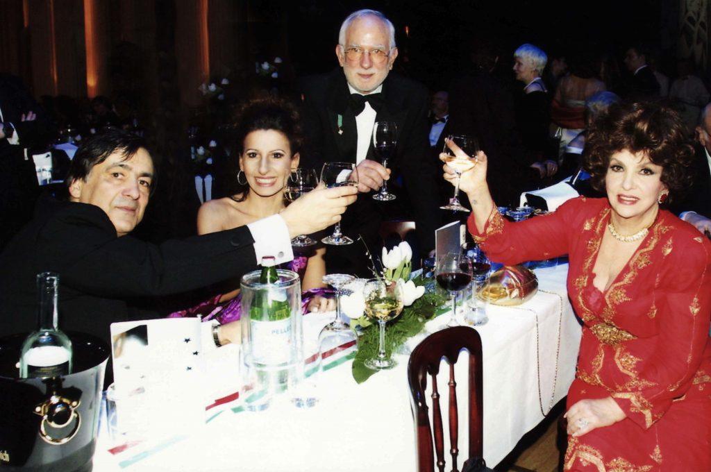 LUCIA ALIBERTI Guest Star al PRESSE BALL con la movie Star GINA LOLLOBRIGIDA,LEOLUCA ORLANDO e MASSIMO MANNOZZI a Berlino