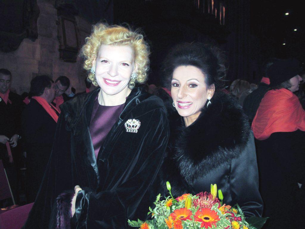 LUCIA ALIBERTI con l'attrice SUNNY MELLES in Vienna,dopo il Concerto