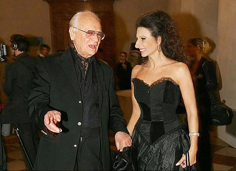 LUCIA ALIBERTI con lo scrittore e regista israeliano EPHRAIM KISHON durante _The Night of the Stars_ a Monaco